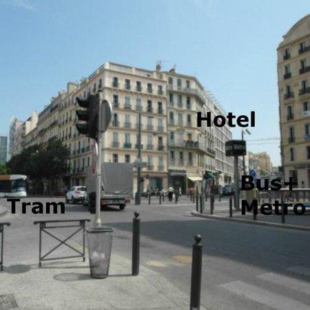 B&B Hôtel Marseille Centre La Joliette : Public transport