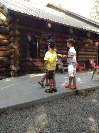 Gray Eagle Lodge: Lodge