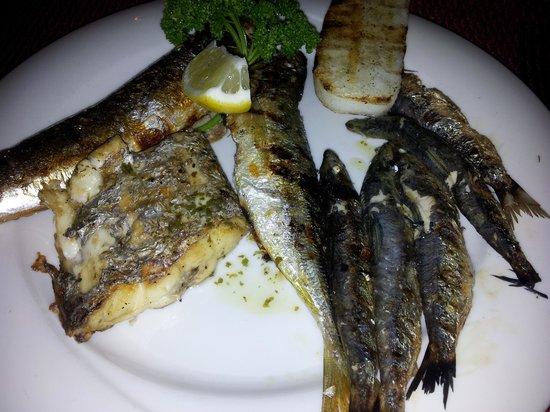 """Osteria Turlonia: Serata """"Pesce azzurro"""" - piatto forte: sarde, sgombro, aguglia e un trancio di pesce di cui ora"""