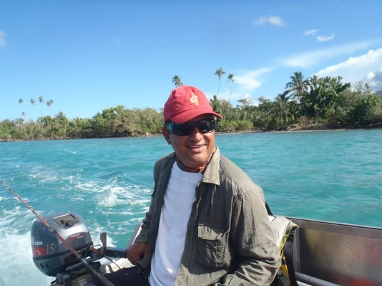 Vaiula Beach Fale : Dave will take you fishing if you want