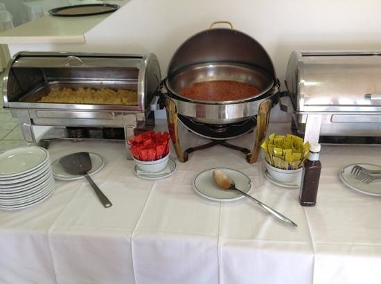 Magic Hotel: Scrambled eggs and beans fresh every other morning