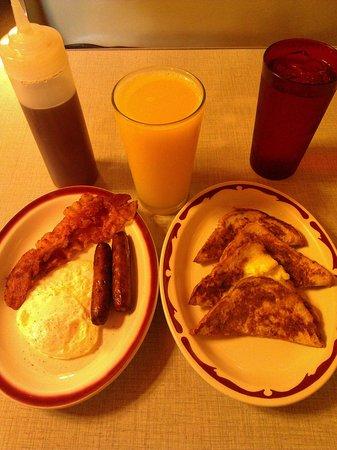 Serlin's Cafe: beat breakfast in St Paul