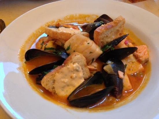 Belden Taverna : seafood boullabaise
