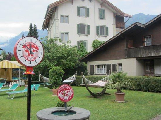 Balmer's Hostel: Backyard chill spot