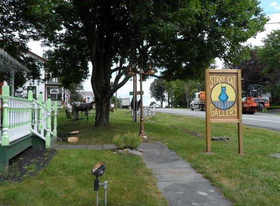 Catskill Distilling Company: third estate art gallery