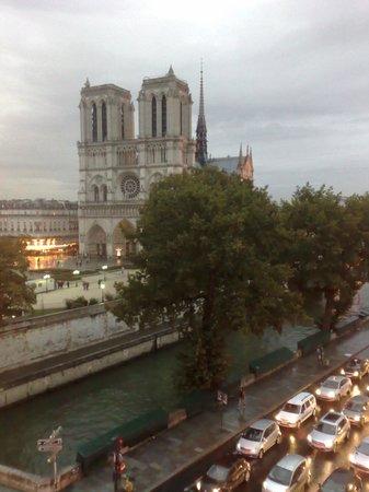 Hotel le Notre Dame: Desde la ventana, una postal