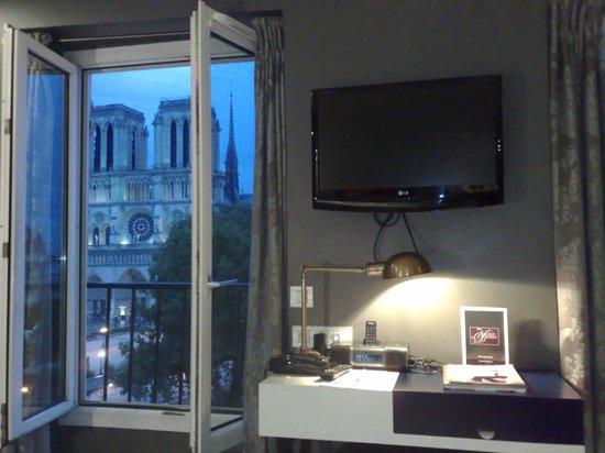 Hotel le Notre Dame: Es un placer acostarse con esas vistas
