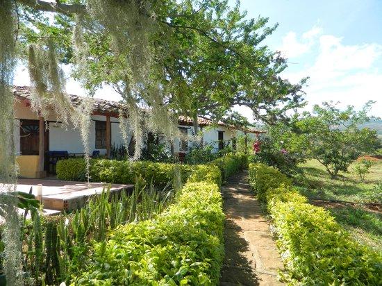 Hotel Santos de Piedra: vista de las habitaciones desde fuera