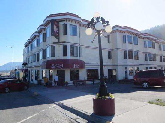 Hotel Seward: Street view