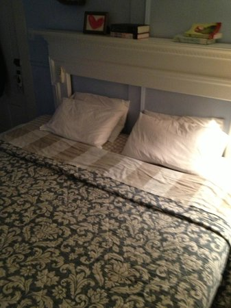 The Chicago House: King Bed