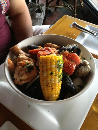 Ross' Grill: Seafood Chowder