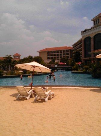 Sofitel Shanghai Sheshan Oriental : Pool