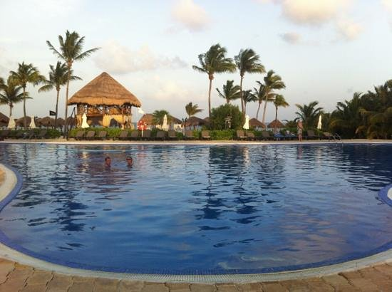 Ocean Maya Royale: Pool :)