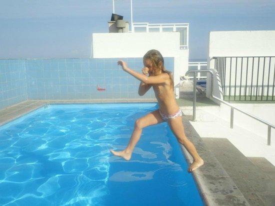 Aparthotel Tropical: piscina grande