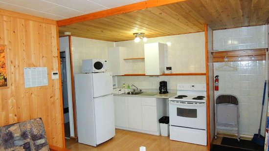 ViewPoint RV Park & Cottages: Kitchen in the cottages