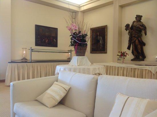 Hotel du Grand Lac Excelsior: lounge