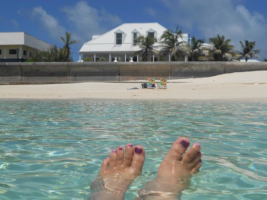 Grand Turk Inn: View of the inn from the ocean