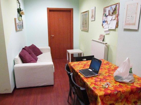 New Ostel: Estar y lugar para desayunar