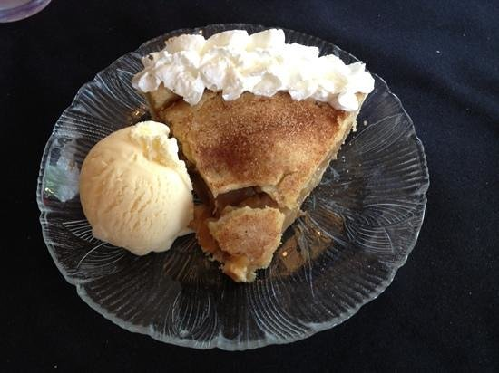 Cedaredge, CO: Apple pie and ice cream - mmmmm good!