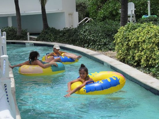 Pelican Grand Beach Resort, A Noble House Resort: Lazy river