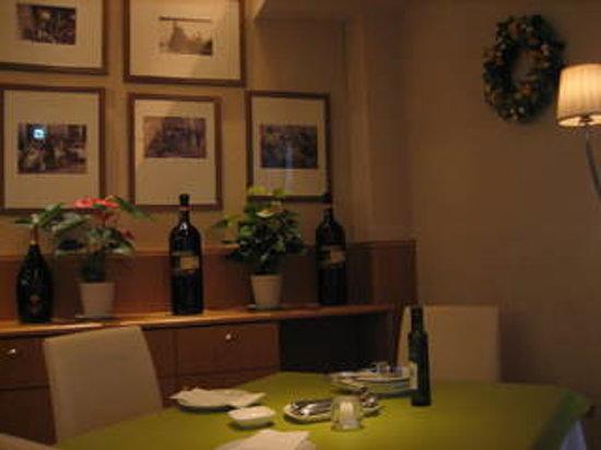 Arzonie Italia: 店内は落ち着いた雰囲気