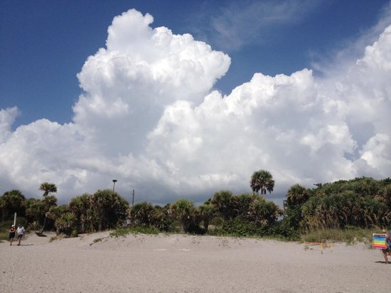 Englewood, FL: Cloud Porn in Manasota Key