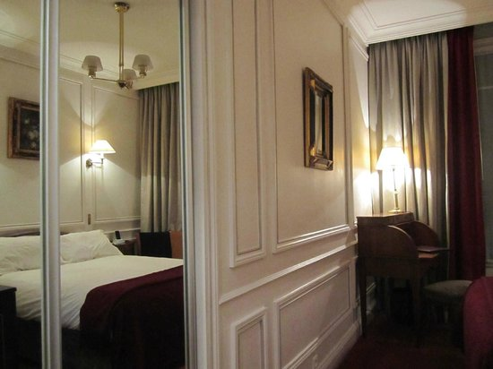 West-End Hotel: Interior do quarto