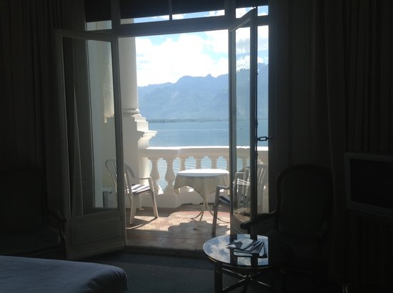 Hotel du Grand Lac Excelsior: Standard room with balcony