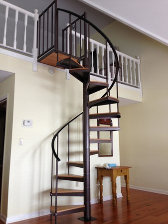 Spiral Staircase To Loft Upstairs Picture Of South Beach Inn Hilton Head Tripadvisor