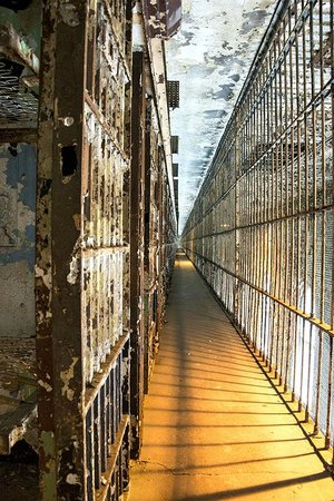 Ohio State Reformatory: A line of cells on the 2nd floor of the cell block