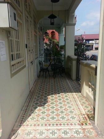 Palanquinn Heritage Suites: Outdoor Verandah
