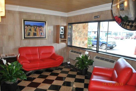 Surfside 3 Motel: lobby