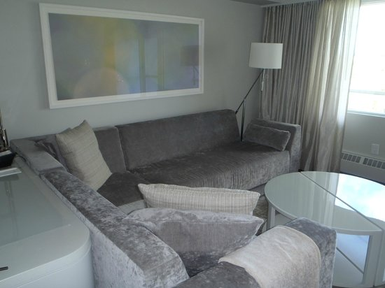 The James Hotel: The living room