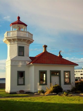 Mukilteo Lighthouse Park: The lighthouse - 2012