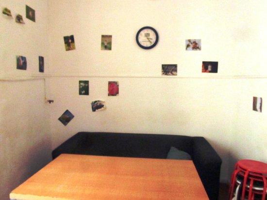 Hostel Smith Beach: Living (en la cocina)