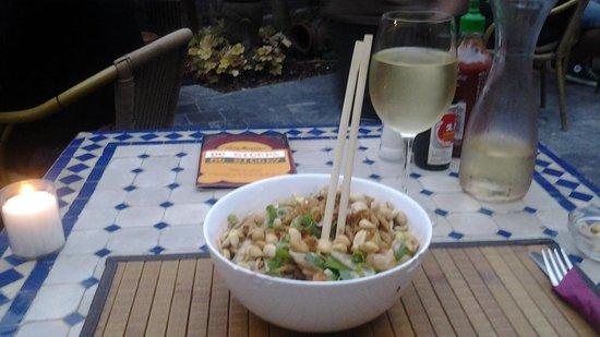 De Stoepa: Thai noodles