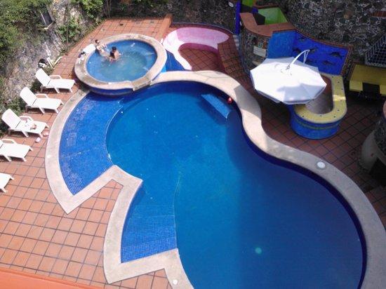 Hotel Spa Mi Pueblito: Alberca y Jacuzzi principal.