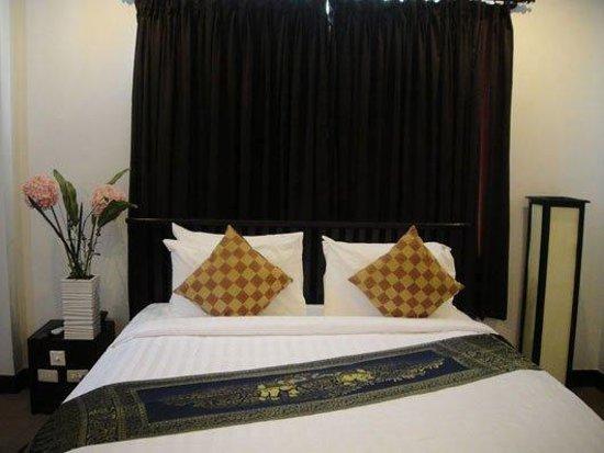 Pyramid Hotel: room stay