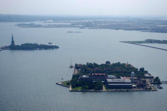 Manhattan Helicopters : Liberty Island ed Ellis Island