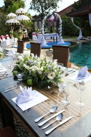 Sukun Bali Cottages: table set up for wedding