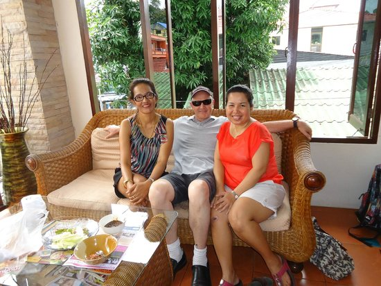 Palmview Resort Patong Beach: Poo & staff were fantastic and very friendly