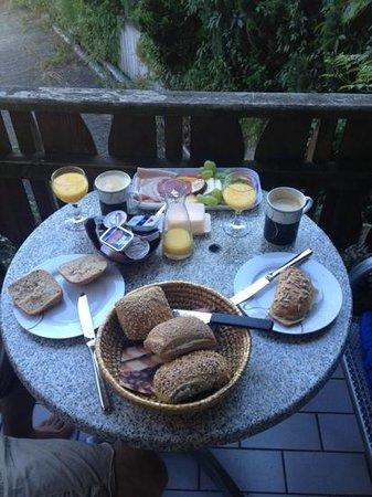 Gästehaus über dem See: Frühstück
