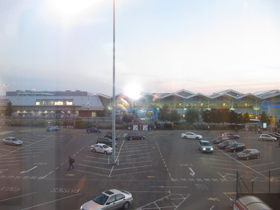 Novotel Birmingham Airport: The view of the terminal building from our room