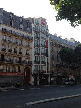 Hotel building picture of ibis budget paris porte de montmartre paris tripadvisor - Ibis budget paris porte de montmartre ...