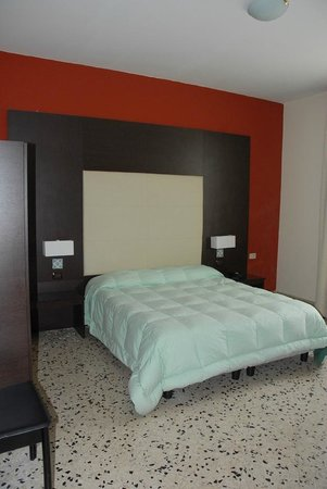 Hotel Liberta : camera matroimoniale