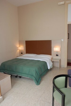 Hotel Liberta : camera matrimoniale