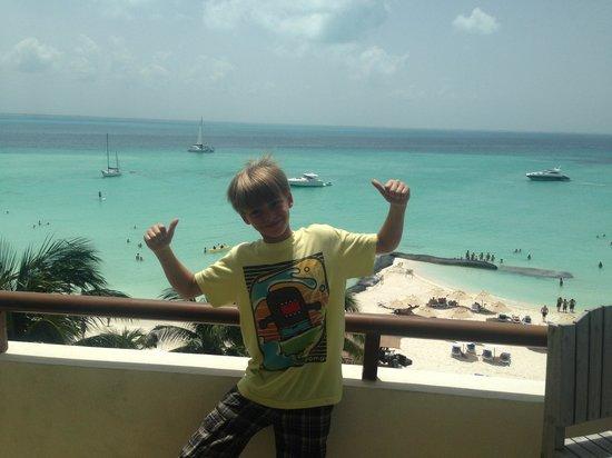 Ixchel Beach Hotel: Our balcony