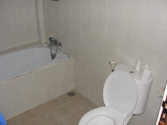 Teba House Ubud Guest House: bagno