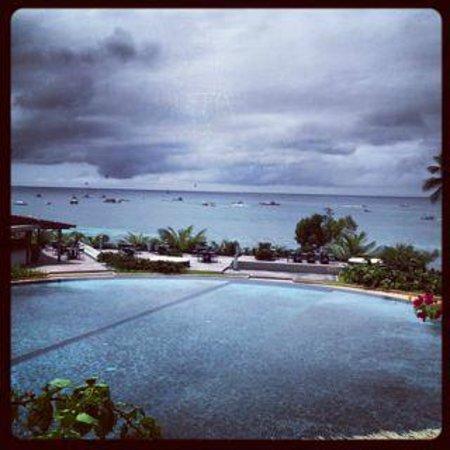 Asya Premier Suites: the wonderful circular swimming pool. My son loves it!