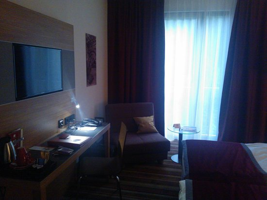 Leonardo Hotel Volklingen-Saarbrucken: Room